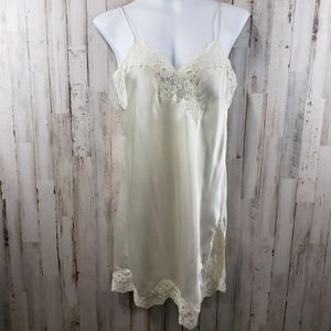 Fantasies by Morgan Taylor Womens Nightgown Ivory